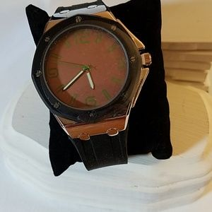 """Rubber Black Band 10"""" Watch"""